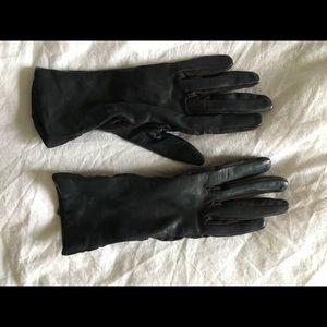 Bloomingdales 100% leather gloves